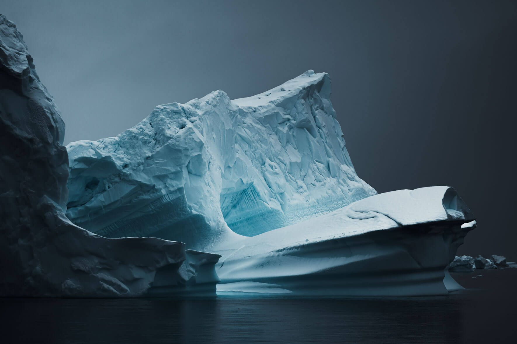 Abstract and dark icebergs in Antarctica