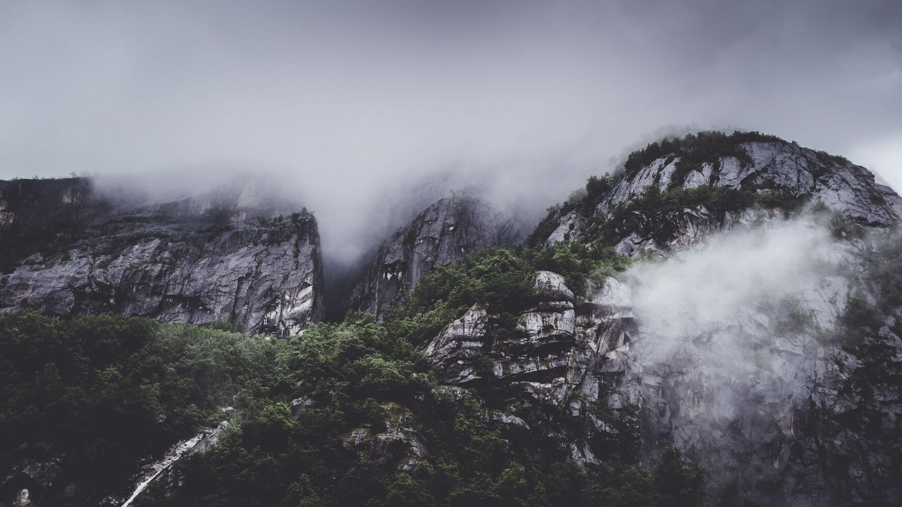 Atmospheric landscape photography of the Nordic countries by Jan Erik Waider
